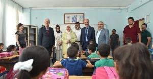 """Başkan Okay, """"Geleceğimiz olan çocuklarımıza yatırımlarımız devam edecek"""""""