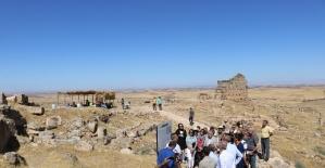 Diyarbakır Ticaret ve Sanayi Odasından Zerzevan Kalesi'ne gezi