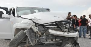 Hakkaride 3 ayrı trafik kazası:...