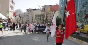 Hakkari'de 'Sağlık için beraber yürüyelim' etkinliği
