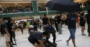 Hong Kongda göstericiler AVMyi...