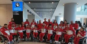 Milli sporcular 11 madalya ile yurda dündü