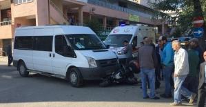 Panelvan ile motosiklet çarpıştı: 1 yaralı