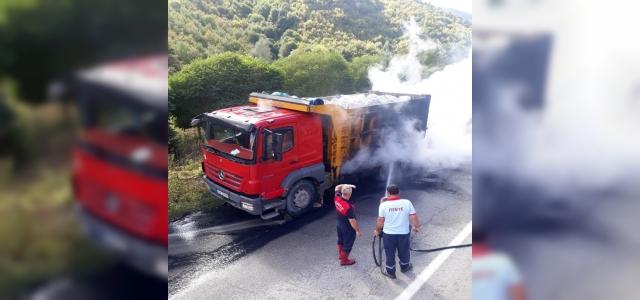 Sinop'ta taş yüklü kamyon alev aldı