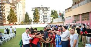 Sporun Gülen Yüzü Futbol Turnuvası kupa ve sertifika töreni ile sona erdi