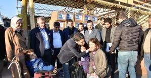 AK Parti Adana İl Başkanlığı'ndan Elazığ'a yardım tırı