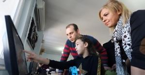 Bilgievleri robotik kodlama ile öğrencilere ışık tutuyor