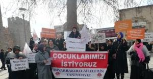 Erciyes Kadın Platformu, 137. gününde Diyarbakır annelerine destek verdi