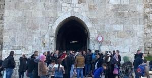 Terör devleti İsrail'den Mescid-i Aksa baskını
