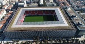 Türkiyede ilk olacak stadyum gün...