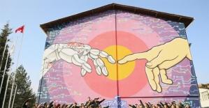 Teknopark'ın duvarları modern sanatla süslendi
