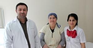 Göğsü alınmadan meme kanserinden kurtuldu