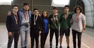 Okullar arası gençler tenisi il birinciliği...