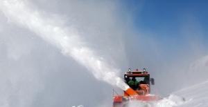 Van'da 103 yerleşim yeri yolu ulaşıma kapalı