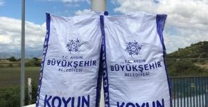 Aydın Büyükşehir doğal gübre üretimi için gübre alımına başladı