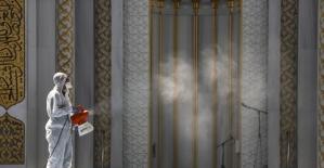 Başkent'te camilerde temizlik ve dezenfeksiyon