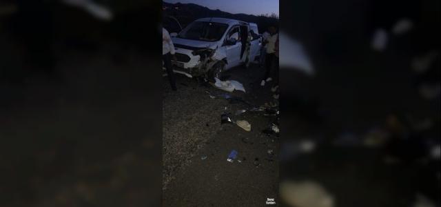 Batman'da motosiklet ile araç çarpıştı: 2 yaralı