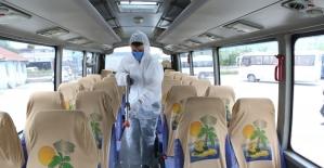 Bolu Belediyesi, personel taşıyan 350 servisi dezenfekte etti