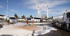 Büyükşehir Belediyesi Otogar'da A'dan Z'ye temizlik çalışması yürüttü