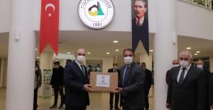 Düzce Belediyesi sanayicileri 41 bin maske dağıttı