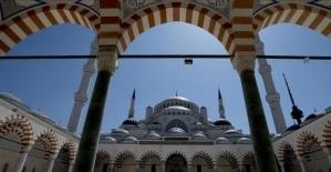 Edremit'te namaz kılınacak camiler açıklandı