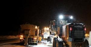 Erzincan'da kar ve tipi etkili oluyor