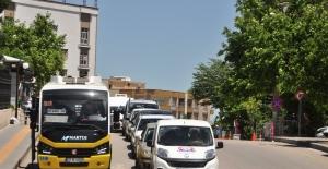 Kısıtlama sona erdi, Mardin'de vatandaşlar sokakları doldurdu