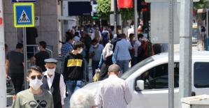 Malatya'da cadde ve sokaklarda yoğunluk
