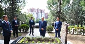 Bahçeli'nin demokrasi vugulu bayram mesajı
