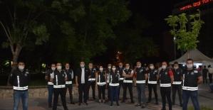 Özel güvenlik personeli Kızılay'a kan bağışında bulundu