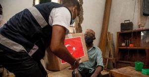 TİKA Ramazan'da Tanzanya'da ihtiyaç sahibi insanların yüzünü güldürdü
