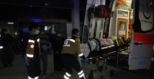 Traktör devrildi, 9 kişi yaralandı