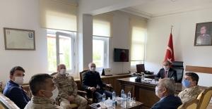 Vali Epcim, Aydıntepe'de güvenlik güçleriyle bayramlaştı