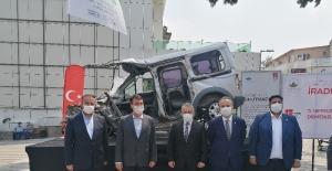 15 Temmuz hain darbe girişimde tankın ezdiği araç Bursa'da sergilendi