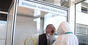 Antalya Havaliman'ında  PCR testi için 3100 numune alındı