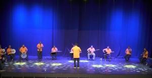 Antalya'nın temizlik işçilerinden paylaşım rekorları kıran mini konser