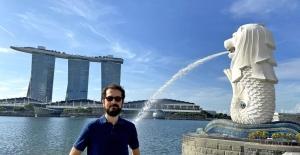 İzmir'de başlayan, İngiltere'den Singapur'a uzanan başarı