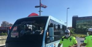 Maltepe'de polisten minibüs denetimi