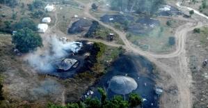 Mangal kömürü üretmek için gece gündüz mesai yapıyorlar