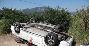 Otomobil, traktöre arkadan çarptı; 1 kişi yaralandı