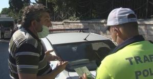 (Özel) Fatih'te ceza yiyen minibüsçü yolculara kızdı