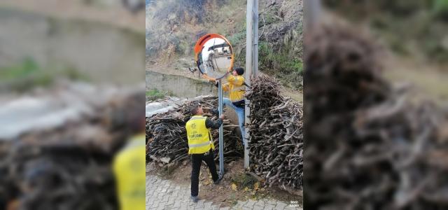 Trafikteki kör noktalara güvenlik aynası yerleştirildi