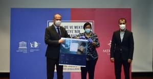 Uluslararası STEM Müfredatı'nın teslimi Mektebim Koleji'ne gerçekleştirildi