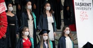 Başkent Üniversitesi Adana Sağlık Hizmetleri MYO'da mezuniyet çoşkusu