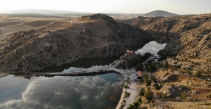Bayram tatilinde 'Tarihi Çeşnigir Köprüsü'ne ziyaretçi ilgisi