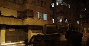 Diyarbakır'da bir eve el yapımı patlayıcı atıldı