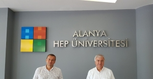 HEP'te hedef Akdeniz'in uluslararası dijital üniversitesi olmak