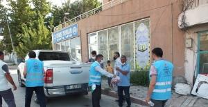 Malazgirt'te Kurban eti dağıtımı