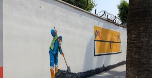 Mersin'in duvarları sanatsal resimlerle hayat buluyor