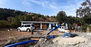 Güneş enerjisiyle köylüler elektrik ücreti  ödemeden içme suyuna kavuştu
